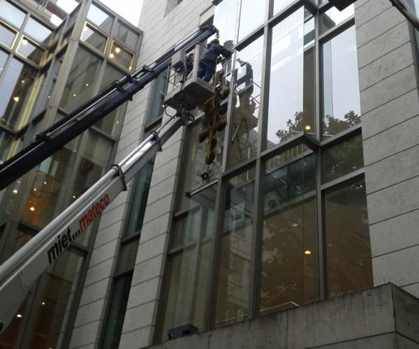 Glaserei Besler in Frankfurt, Glasarbeiten